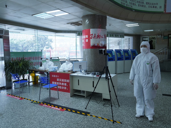 抗击疫情,信阳市中心医院与病毒角力