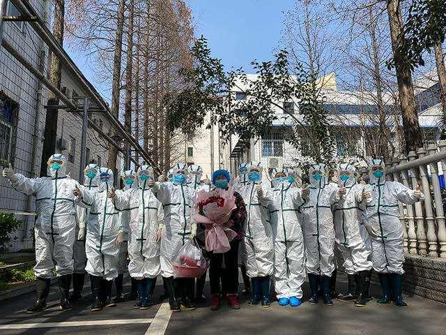 喜大普奔: 信阳最后一例新冠肺炎住院患者从信阳市中心医院治愈出院